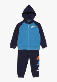 Nike Sportswear - MULTI FUTURA SET - Sudadera con cremallera - midnight navy - 0