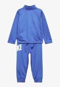 Nike Sportswear - CORE BABY SET - Sportovní bunda - game royal - 1