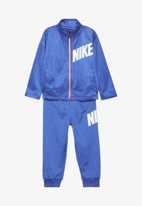 Nike Sportswear - CORE BABY SET - Sportovní bunda - game royal - 3