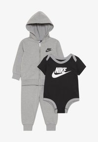 Nike Sportswear - SOLID FUTURA PANT SET BABY - Zip-up hoodie - dark grey heather - 3