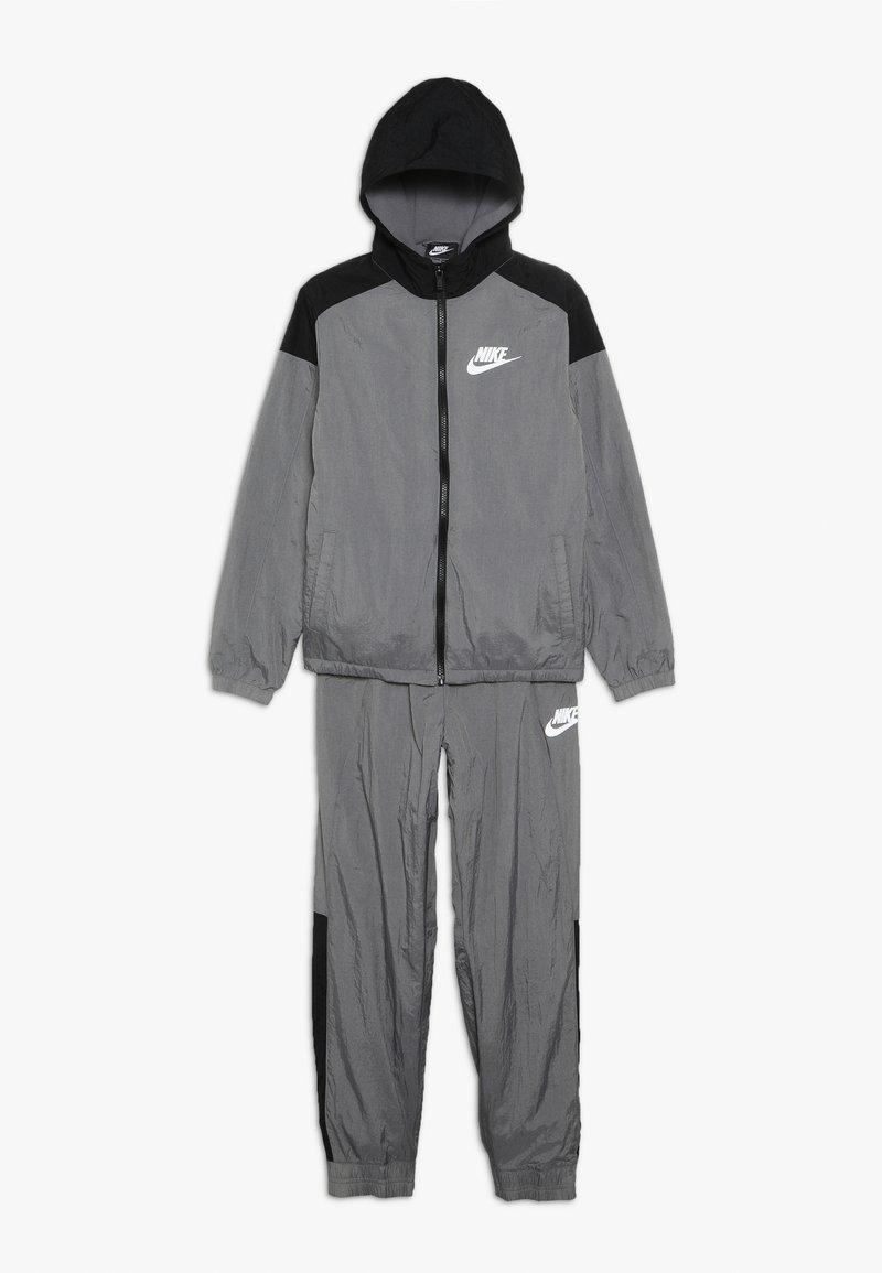 Nike Sportswear - TRACK SUIT WINTERIZED - Træningssæt - gunsmoke/black/volt