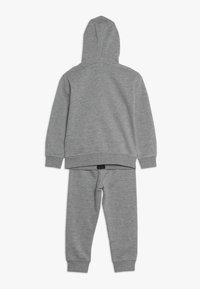 Nike Sportswear - LEBRON PANT SET - Tepláková souprava - dark grey heather - 1