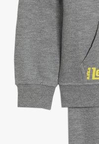 Nike Sportswear - LEBRON PANT SET - Tepláková souprava - dark grey heather - 4