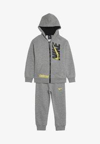 Nike Sportswear - LEBRON PANT SET - Tepláková souprava - dark grey heather - 5