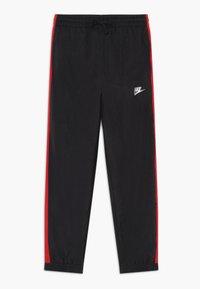 Nike Sportswear - WOVEN SET - Survêtement - black/university red/white - 2