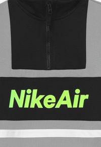 Nike Sportswear - TRACKSUIT SET - veste en sweat zippée - light smoke grey/black/black - 4