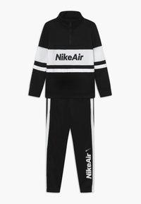 Nike Sportswear - TRACKSUIT SET - veste en sweat zippée - black/white - 0