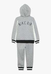 Nike Sportswear - AIR SET - Treningsdress - dark grey heather - 1