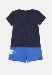 Nike Sportswear - SHORT SET - T-shirt z nadrukiem - pacific blue - 1