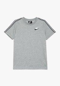 Nike Sportswear - REPEAT TEE - Print T-shirt - grey heather/white - 0