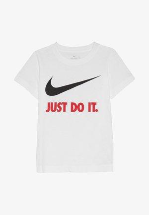 TEE - T-shirt z nadrukiem - white/red
