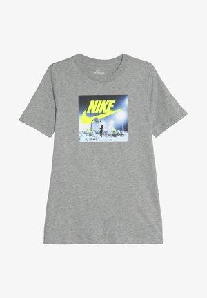TEE AIR HOOP SNOW - Triko spotiskem - grey heather