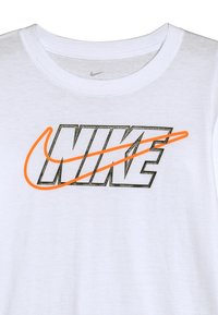 Nike Sportswear - OUTLINED BLOCK TEE - T-shirt à manches longues - white - 3