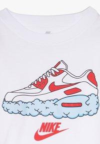 Nike Sportswear - AIRMAX CLOUDS TEE - T-shirt imprimé - white - 3