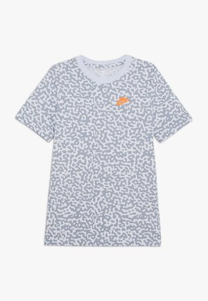 TEE MEZZO - T-shirts med print - football grey/obsidian mist
