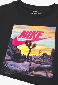 Nike Sportswear - T-shirt z nadrukiem - black - 3