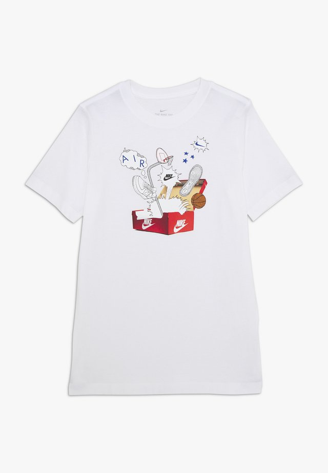 TEE SHOEBOX - T-shirt med print - white