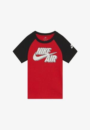 FUTURA CONNECT THE DOTS TEE - Camiseta estampada - university red