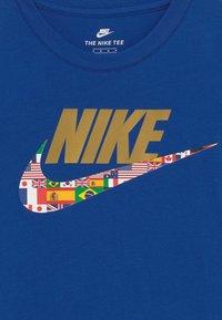 Nike Sportswear - WORLD FUTURA TEE - Print T-shirt - blue - 3