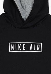 Nike Sportswear - AIR HOODIE - Hoodie - black/dark grey heather/white - 4