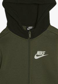 Nike Sportswear - CORE AMPLIFY HOODIE - Hoodie met rits - medium olive/black - 4