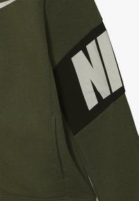 Nike Sportswear - CORE AMPLIFY HOODIE - Hoodie met rits - medium olive/black - 2