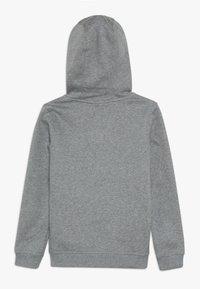 Nike Sportswear - HOODIE CLUB - Luvtröja - carbon heather/white - 1
