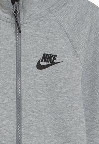 Nike Sportswear - TECH FLEECE ESSENTIALS - Bluza rozpinana - dark grey heather/black - 4