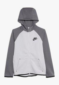 Nike Sportswear - TECH FLEECE ESSENTIALS - Hoodie met rits - vast grey/gunsmoke/black - 0