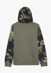 Nike Sportswear - CLUB - Hoodie met rits - medium olive/total orange - 1