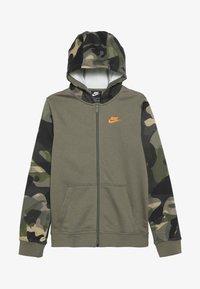 Nike Sportswear - CLUB - Hoodie met rits - medium olive/total orange - 3