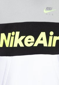Nike Sportswear - B NSW NIKE AIR PO - Felpa con cappuccio - light smoke grey/white/black/volt - 3