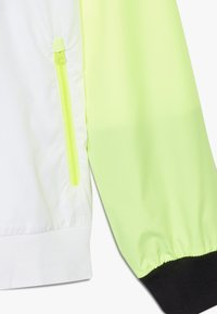 Nike Sportswear - Trainingsvest - white/black/volt - 2