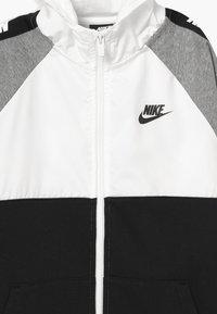 Nike Sportswear - HYBRID - Hoodie met rits - white/black/grey - 3