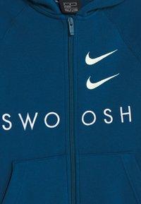 Nike Sportswear - NIKE SPORTSWEAR  FRENCH-TERRY-HOODIE MIT DURCHGEHENDERM REIBVERCHLUSS FUR ALTERE KINDER(JUNGEN) - Mikina na zip - blueforce/blue force/barely volt - 2
