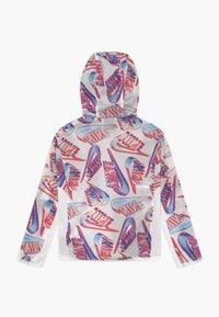 Nike Sportswear - TECH PACK BREATHE - Lehká bunda - white - 1