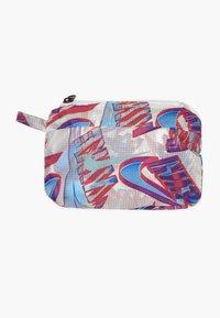 Nike Sportswear - TECH PACK BREATHE - Lehká bunda - white - 2