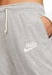 Nike Sportswear - GYM VINTAGE - Tracksuit bottoms - grey - 2
