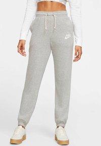Nike Sportswear - GYM VINTAGE - Tracksuit bottoms - grey - 0