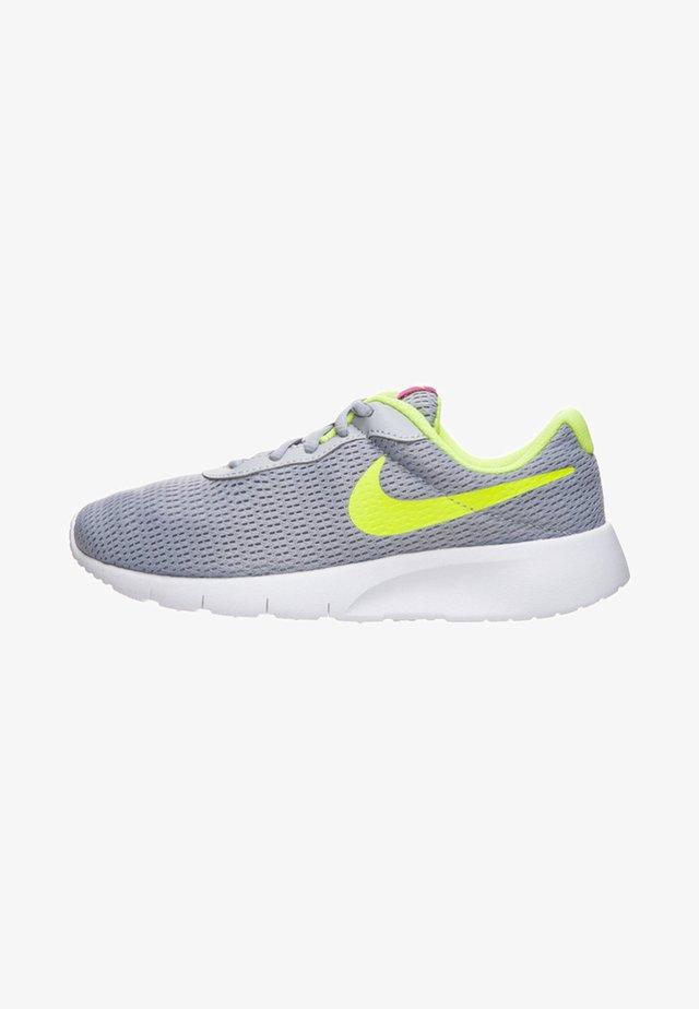 TANJUN - Sneaker low - wolf grey/volt /rush pink