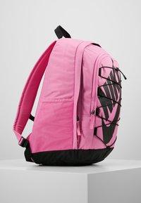 Nike Sportswear - HAYWARD - Reppu - china rose/black - 3