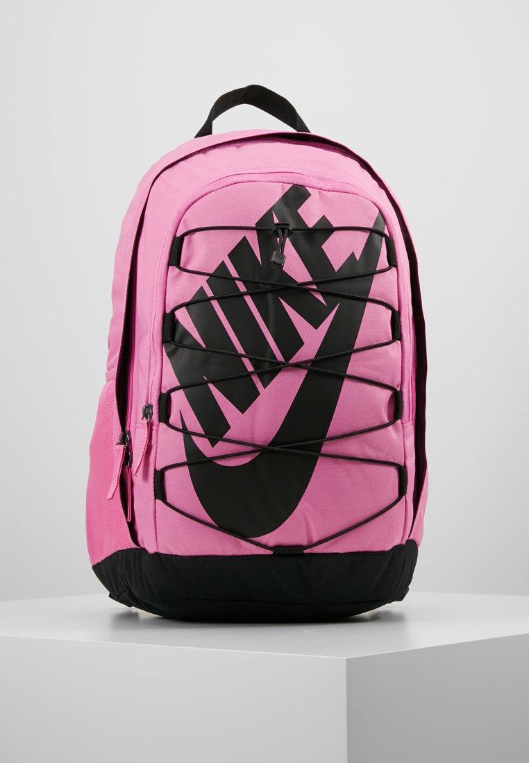 Nike Sportswear - HAYWARD - Reppu - china rose/black