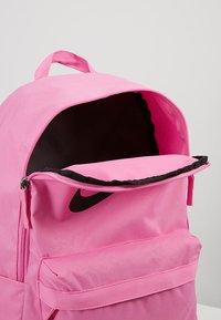 Nike Sportswear - HERITAGE - Rucksack - china rose - 4