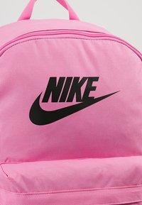 Nike Sportswear - HERITAGE - Rucksack - china rose - 6