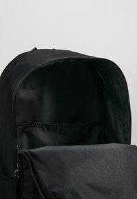 Nike Sportswear - HERITAGE - Rugzak - black/white - 4
