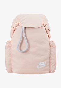 Nike Sportswear - HERITAGE - Reppu - washed coral/sky grey/white - 7
