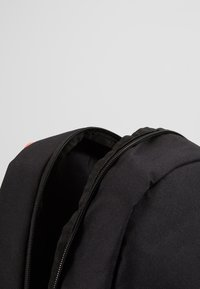 Nike Sportswear - Batoh - black/pacific blue - 5