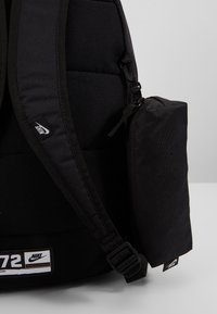 Nike Sportswear - SET - Tagesrucksack - black/white - 6