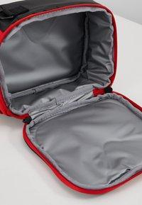 Nike Sportswear - FUELPACK - Taška spříčným popruhem - university red - 5