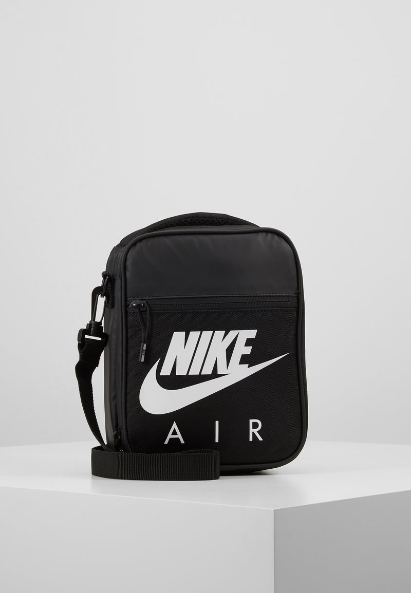 Nike Sportswear - FUELPACK - Axelremsväska - black